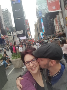 Husband loves wife in Times Square