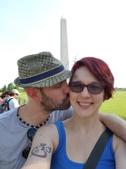 Husband loves wife by Washington Memorial