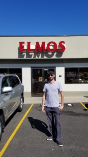Great service at Elmo's!